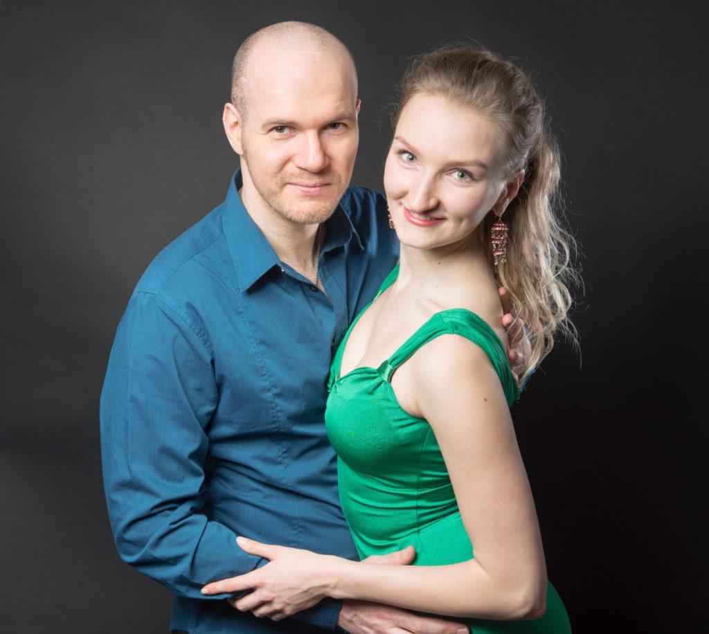 Dies Bild zeigt die Tanzlehrer Natali und Manni von LaLASalsa